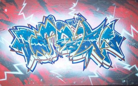 graffiti roze blauw
